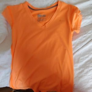 Nike t-shirt running orange size xs dri-fit